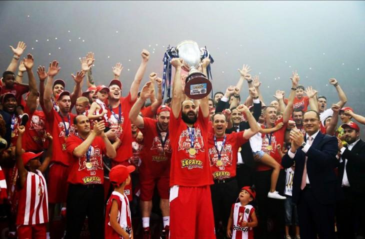 Άντε γεια, πρωτάθλημα ξανά στον Πειραιά (3-0)