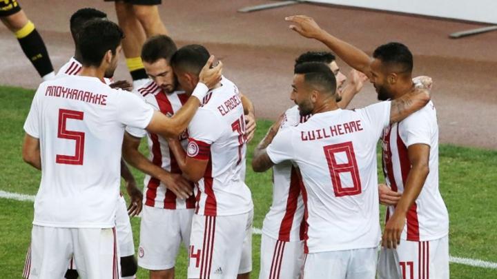 Ο Ολυμπιακός επιβλήθηκε της ΑΕΚ 2-1 εκτός έδρας και πέτυχε την τέταρτη του νίκη σε ισάριθμα παιχνίδια στα Play-off