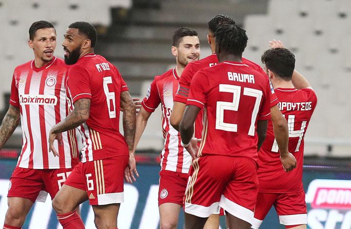 Ο Ολυμπιακός συνέτριψε με 5-1 την ΑΕΚ στο ΟΑΚΑ για τη δεύτερη αγωνιστική των Playoffs