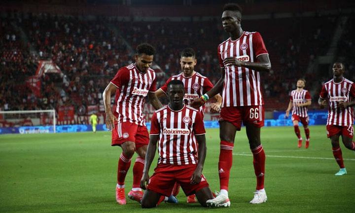Ο Ολυμπιακός επιβλήθηκε με 3-0 της Σλόβαν Μπρατισλάβας και απέκτησε σημαντικό προβάδισμα πρόκρισης για τους ομίλους του UEFA Europa League